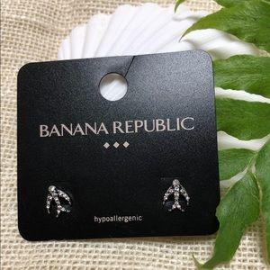 NWT Banana Republic Dove Bird Diamond-like Earring